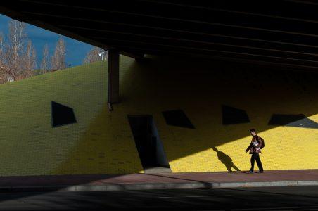 #8 – Formas, colores, sombras… y un hombre